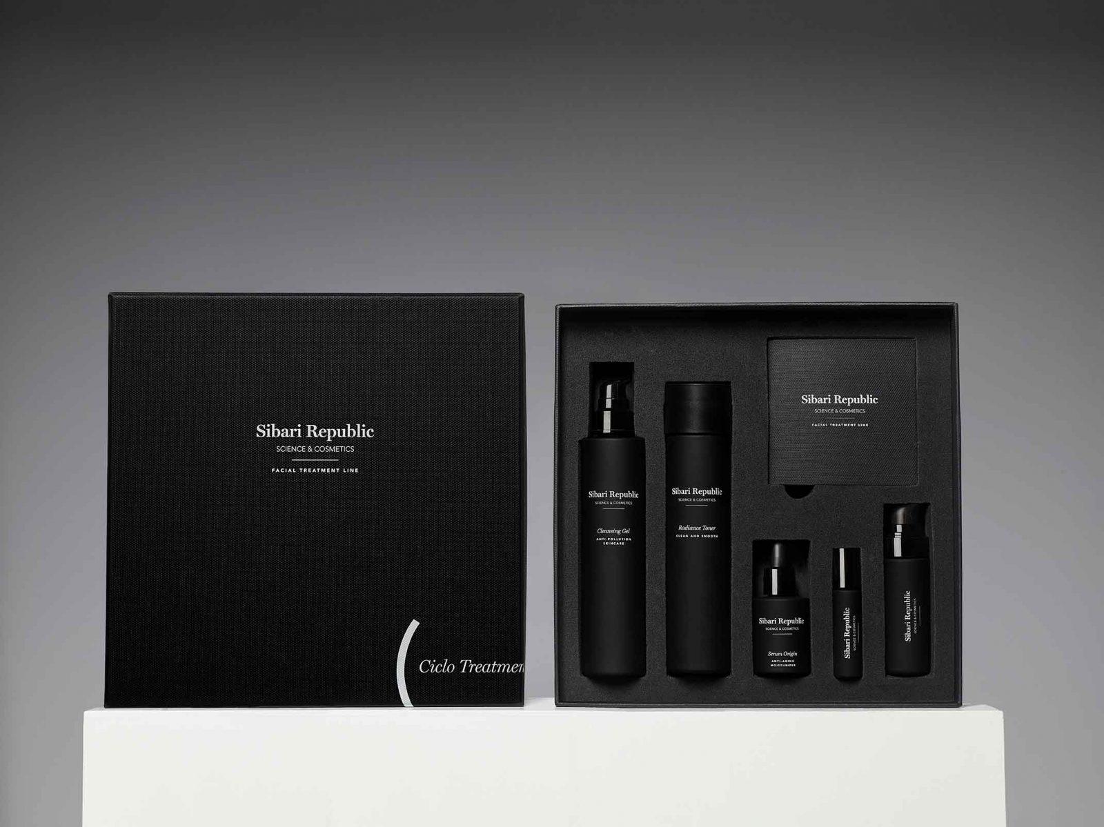 packaging impreso en negro abierto