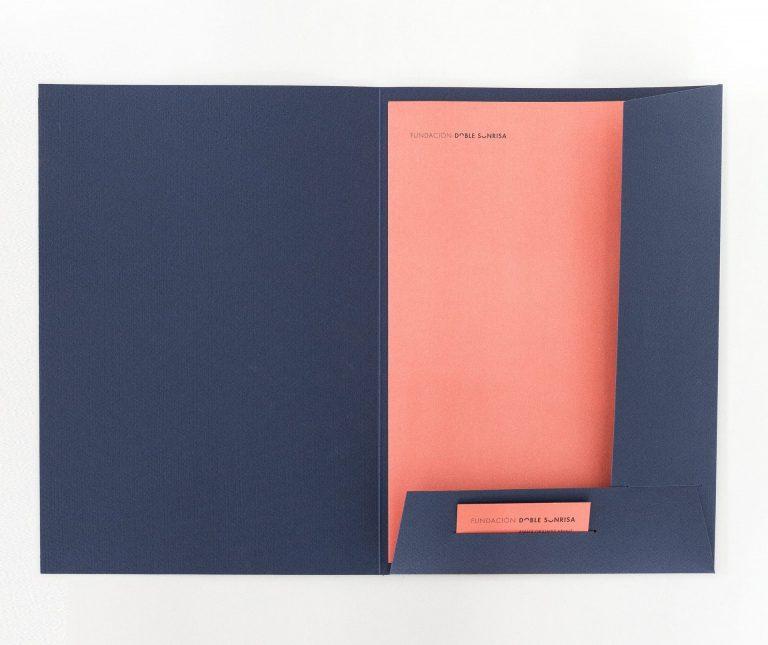 proyectos especiales impresos de Impresum: Fundación Doble Sonrisa