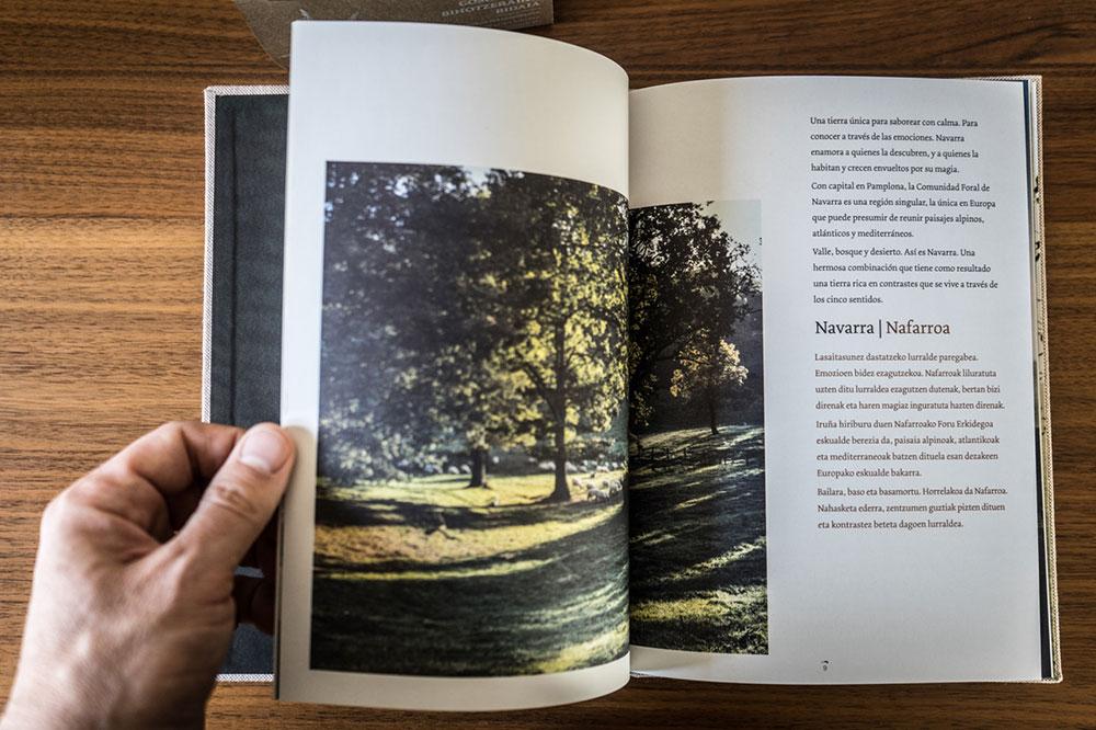interior del libro de Goshua