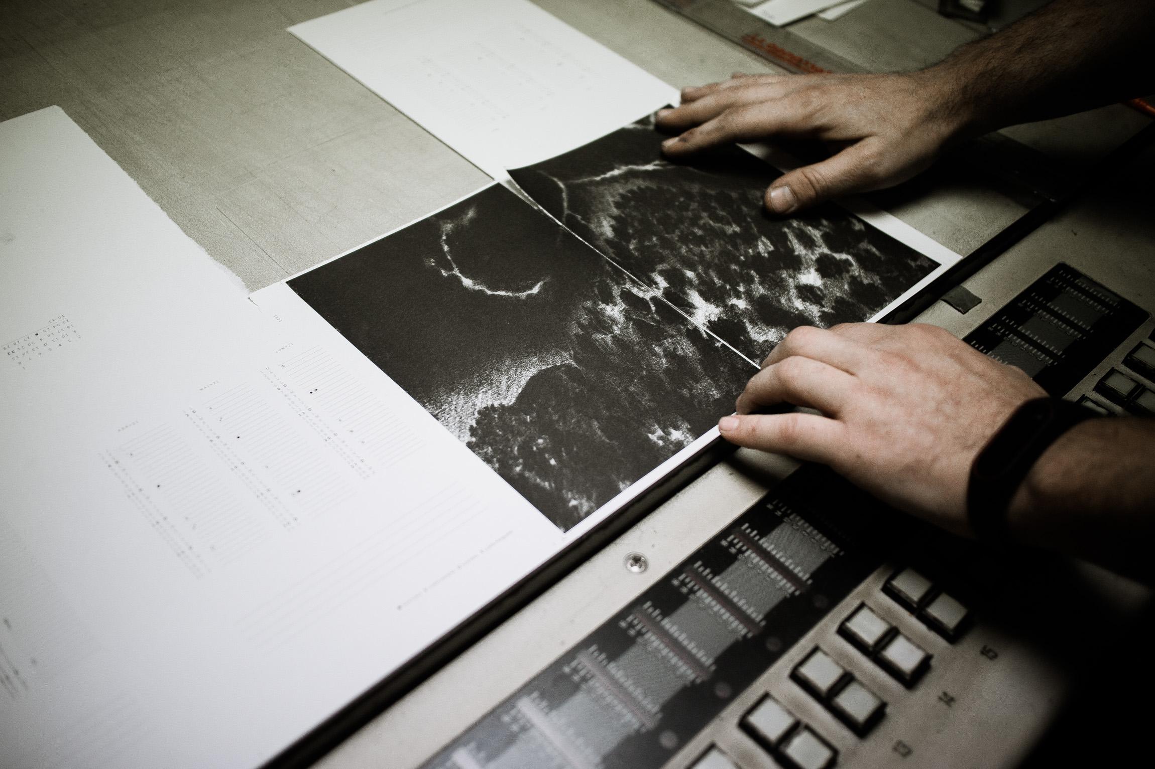 porceso de impresión offset de la agenda Bosque